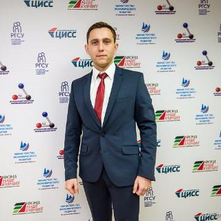 Денис Богатов